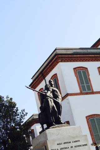 Piazza Principale monumento ai caduti